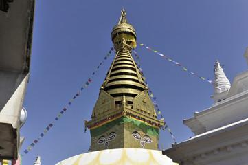 Tibetischer Buddhismus, Hinduismus, Tempel Swayambhunath, weißer Stupa, goldener Turm, die Augen Buddhas, Himalaja, Kathmandu, Kathmandutal, Nepal, Asien