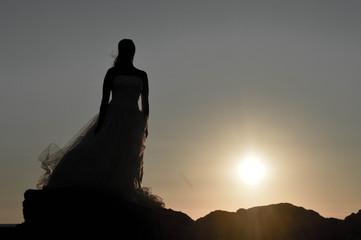 Mariée au bord de l'eau
