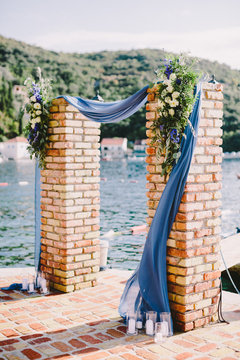 wedding arch decoration with sea view