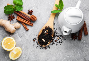 Tea with lemon, mint, cinnamon and ginger