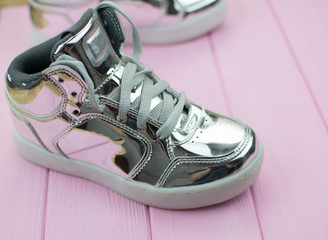 sneakers metallic colors