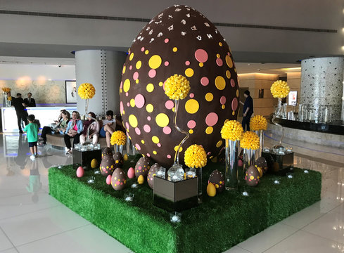 Easter egg weighing 80 kilos, that is partially made of dark chocolate is displayed at hotel in Dubai