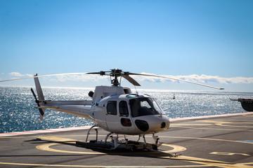 Hubschrauber, Detail eines Hubschraubers , auf einer Plattform