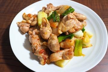 鶏とネギの中華炒め