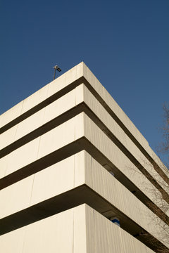 Multi-storey car park with a brutalist design heavy in concrete slabs