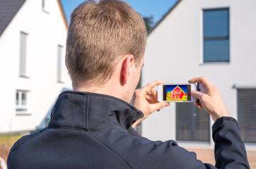 Hausfassade im Wärmebild, Thermografie