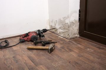 a tool for removing plaster, saltpeter on the wall