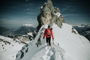 Skitour Mann Freiheit Gipfel