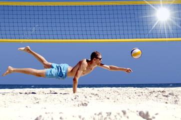 Beachvolleyball sportlich Bagger
