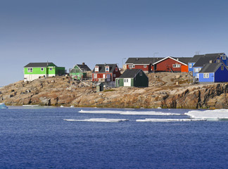 colored houses in itoqqortoomiit in east greenland