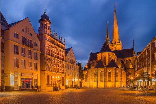 Willibrordi Dom und historisches Rathaus in Wesel