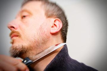 Messer am Hals - Bedrohung mit dem Messer
