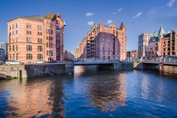 Hamburg Speicherstadt Kleines Fleet sonnig im HD Format