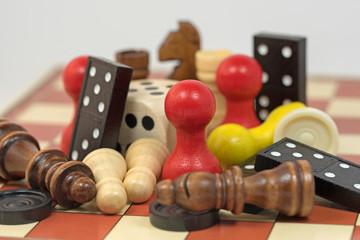Gesellschaftsspiele, Spielesammlung