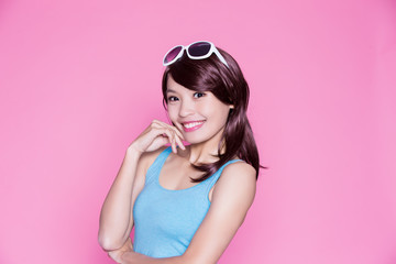 woman wear sunglasses and smile