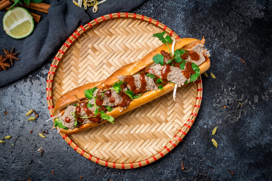 banh mi with beef vietnamese food