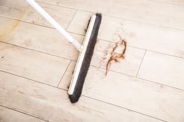 髪の毛を掃除する