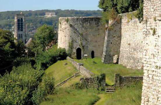 Château-Thierry dans l'Aisne, Château médiéval, les remparts, France