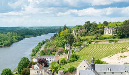 Blick von der Burg Chinon auf das Tal der Venant, Loire Frankreich Fototapete