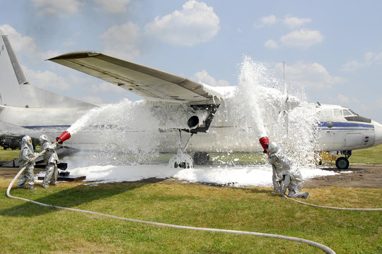Training firefighters on aircraft quenching