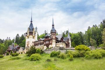 Photo sur Aluminium Chateau Peles castle and gardens in Sinaia, Romania