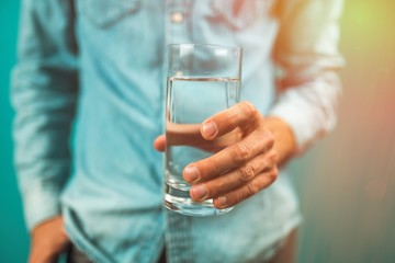 Photo sur Aluminium Eau A glass of water