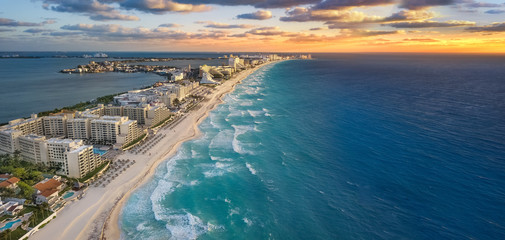Wall Mural - Cancun beach sunset