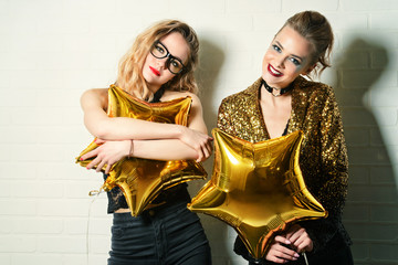 party girls golden