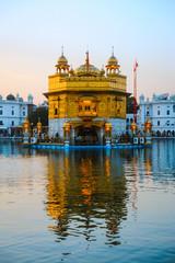 Fototapete - Golden Temple Harmandir Sahib at sunrise. Amritsar
