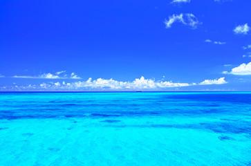Poster Mer / Ocean 真夏の宮古島・下地空港沿いに広がる綺麗な海