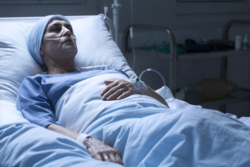 Woman dying alone in hospice