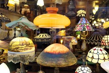 Lampes avec abats jour en verre