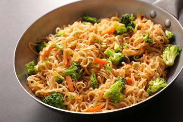 fried noodles and vegetable