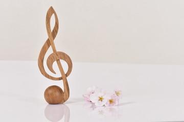 桜とト音記号