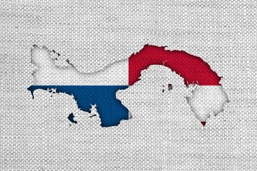 Karte und Fahne von Panama auf altem Leinen