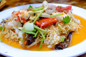 noodles salad put seafood combination