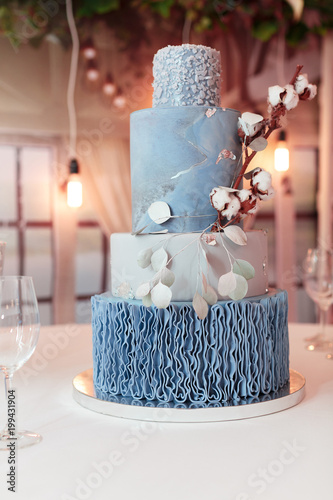 Beautiful Wedding Cake Photo Libre De Droits Sur La Banque