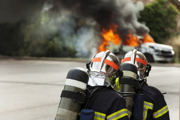 french firefighter binomial attac on car fire