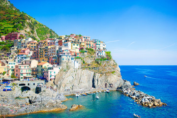 Beautiful view of the amazing village of Manarola in the Cinque Terre reserve. Liguria region of Italy. 壁紙(ウォールミューラル)