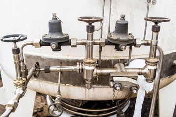 Piping and instrumentation assembly in gas industrial plant