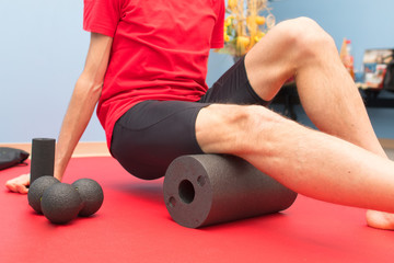 Foam roller thigh treatment in physiotherapy study