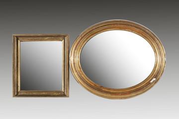 specchio con cornice antica