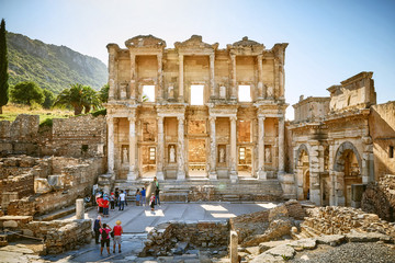 Fotobehang Rudnes Ancient Celsius Library in the old Ephesus city, Turkey