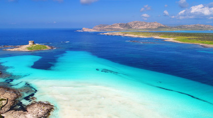 Fotomurales - Luftaufnahme Stintino La Pelosa Strand Sardinien