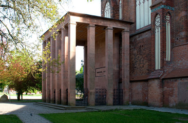 Tomb of the philosopher Immanuel Kant at the northeast corner of the Cathedral, Kaliningrad, Russian Federation