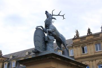 Hirsch-Statue von Antonio Isopi am Neuen Schloss in Stuttgart