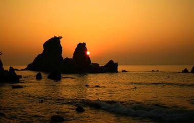 Canvas Prints Cuban Red 바위 위에서 떠오르는 태양
