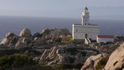 Leuchtturm und Felsformationen am Capo Testa, Sardinien