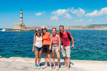 Portait de famille en voyage en Crète