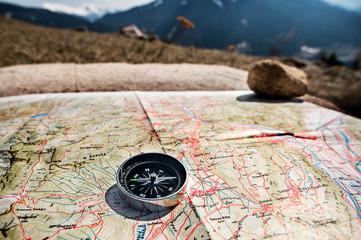 Orientarsi con la bussola in montagna